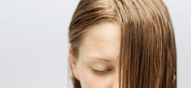 astuces cheveux gras et huiles essentielles